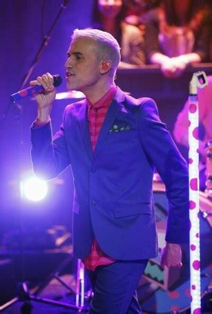 """Neon Trees: """"Sleeping with a Friend"""" Performance on """"Late"""