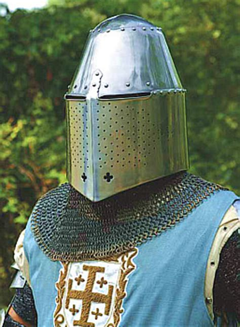 Crusades Armor and Weapons Rentals