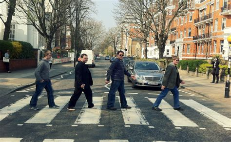 Watch tourists at Abbey Road in this hilarious live stream