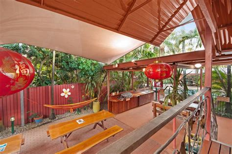 Travellers Oasis in Cairns, Australia - Find Cheap Hostels